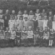 nejstarší fotografie 1920 nebo 1921, asi třetí třída obecná